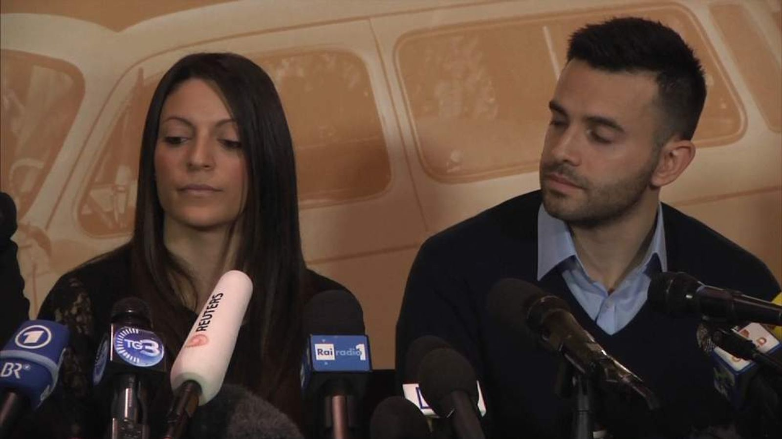 Meredith kercher brother and sister