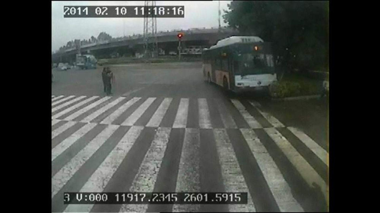Driver runs after and stops runaway bus