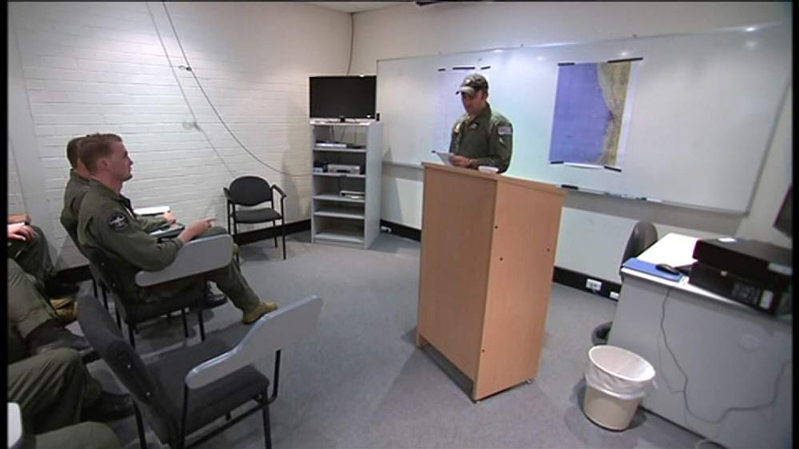 Australia Air Force briefing on search for objects in Indian Ocean
