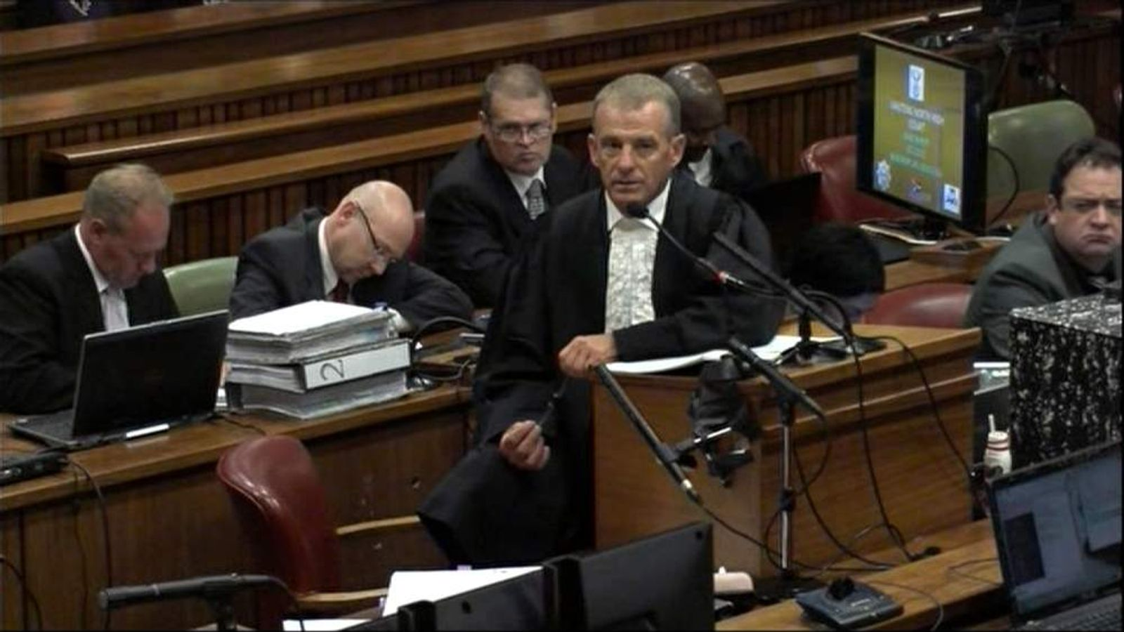 Gerrie Nel questions Oscar Pistorius on who should be blamed