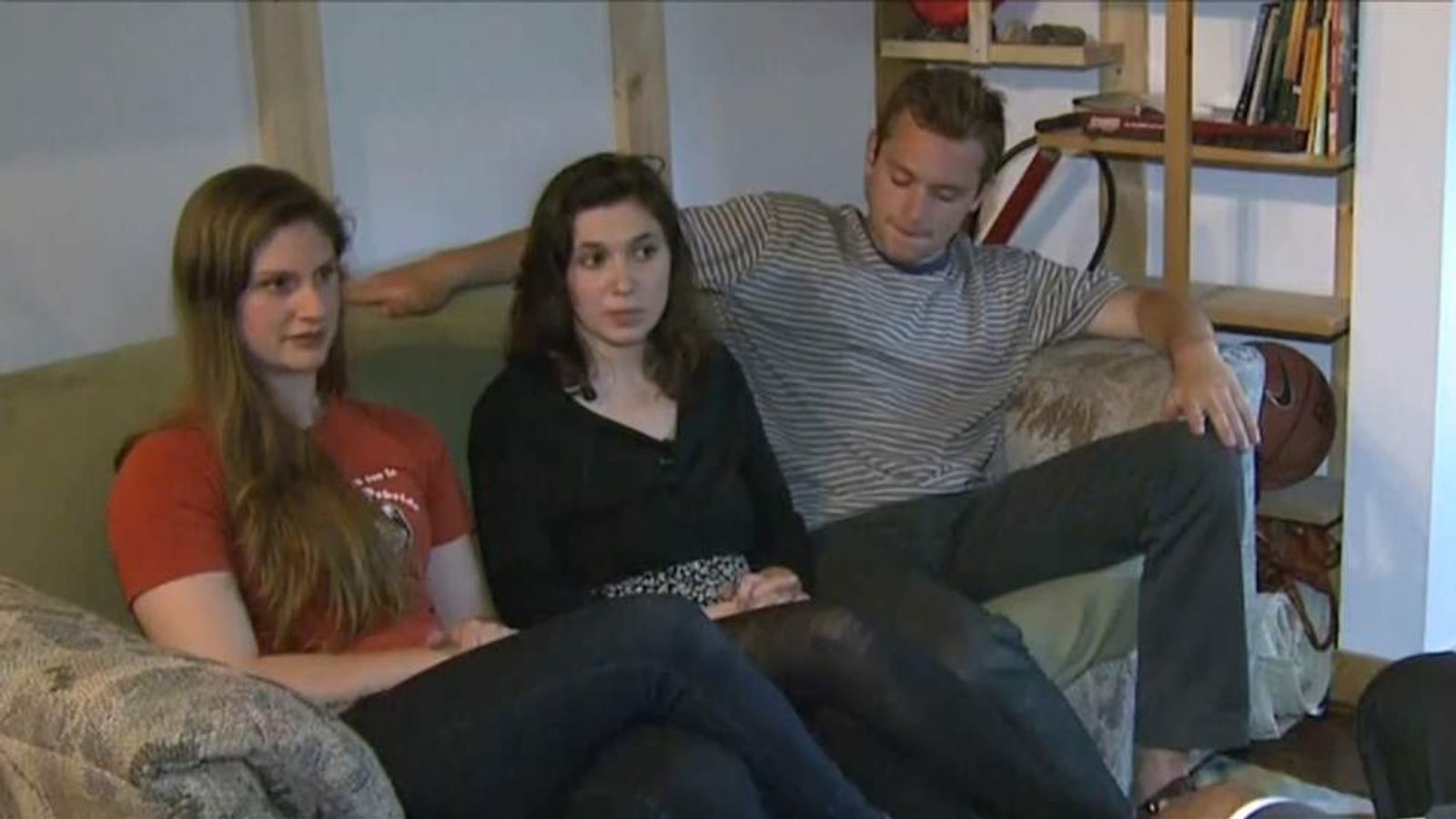 Roommates find $40,000 stuffed in old couch