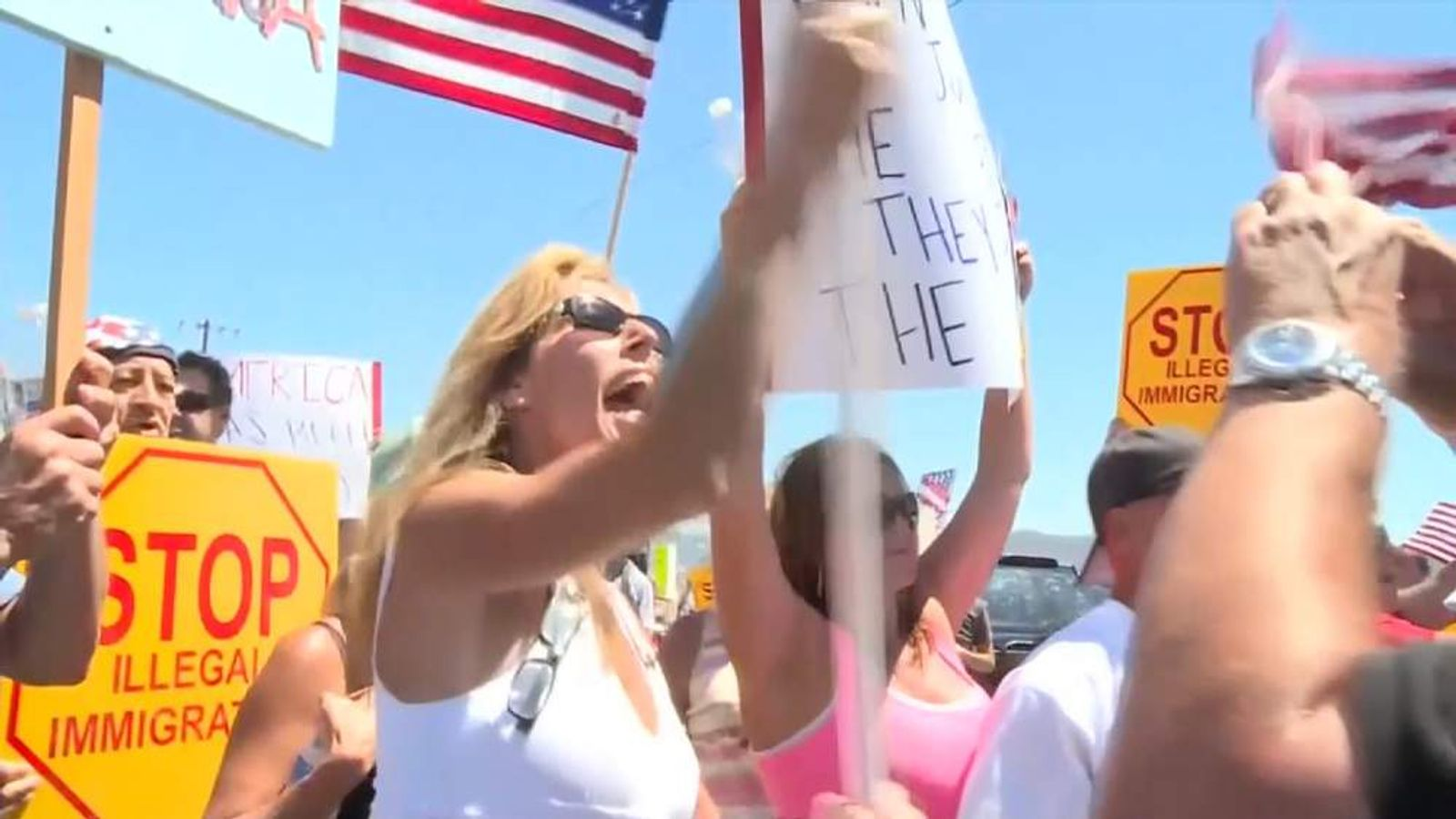 Murrieta residents stop illegal immigrants from being processed