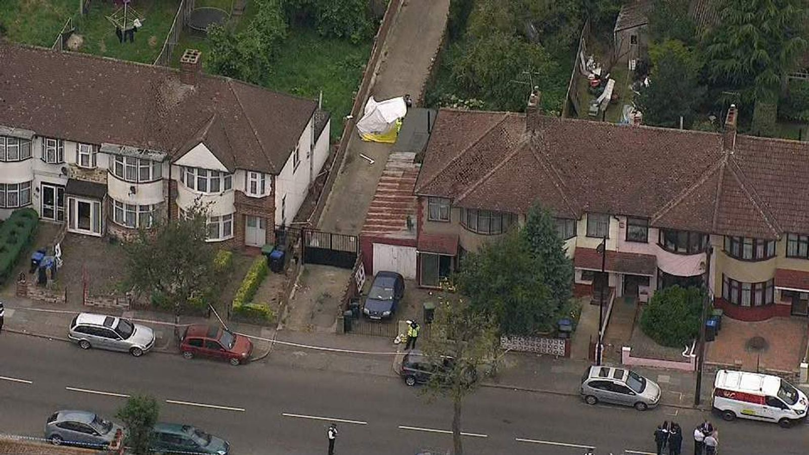 Woman found reportedly beheaded in a North London garden