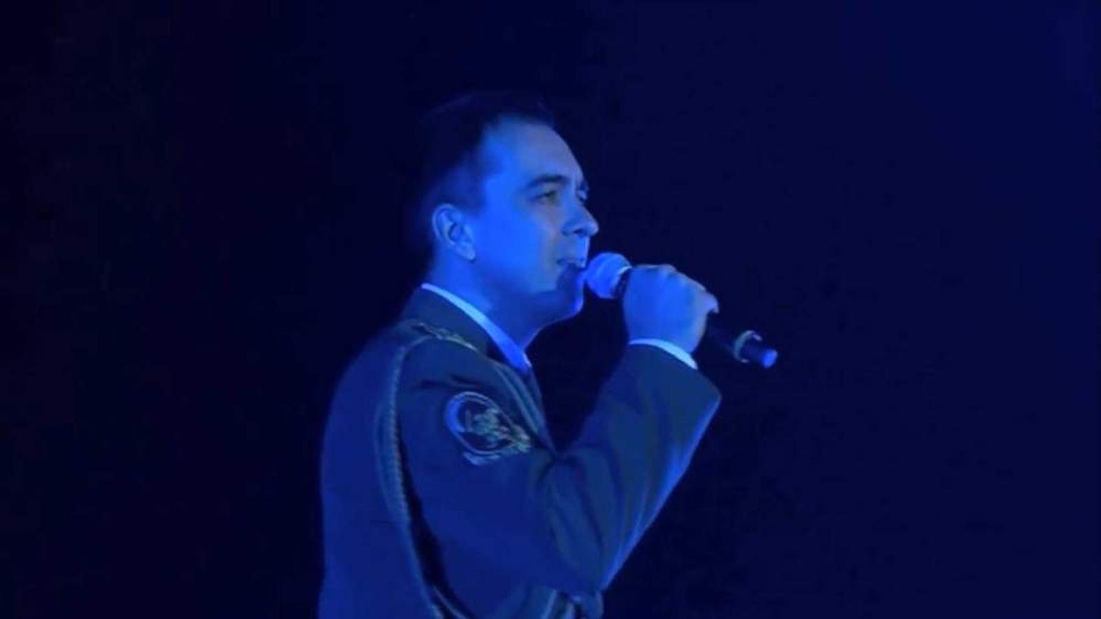 Red Army Choir Sings Hey Jude
