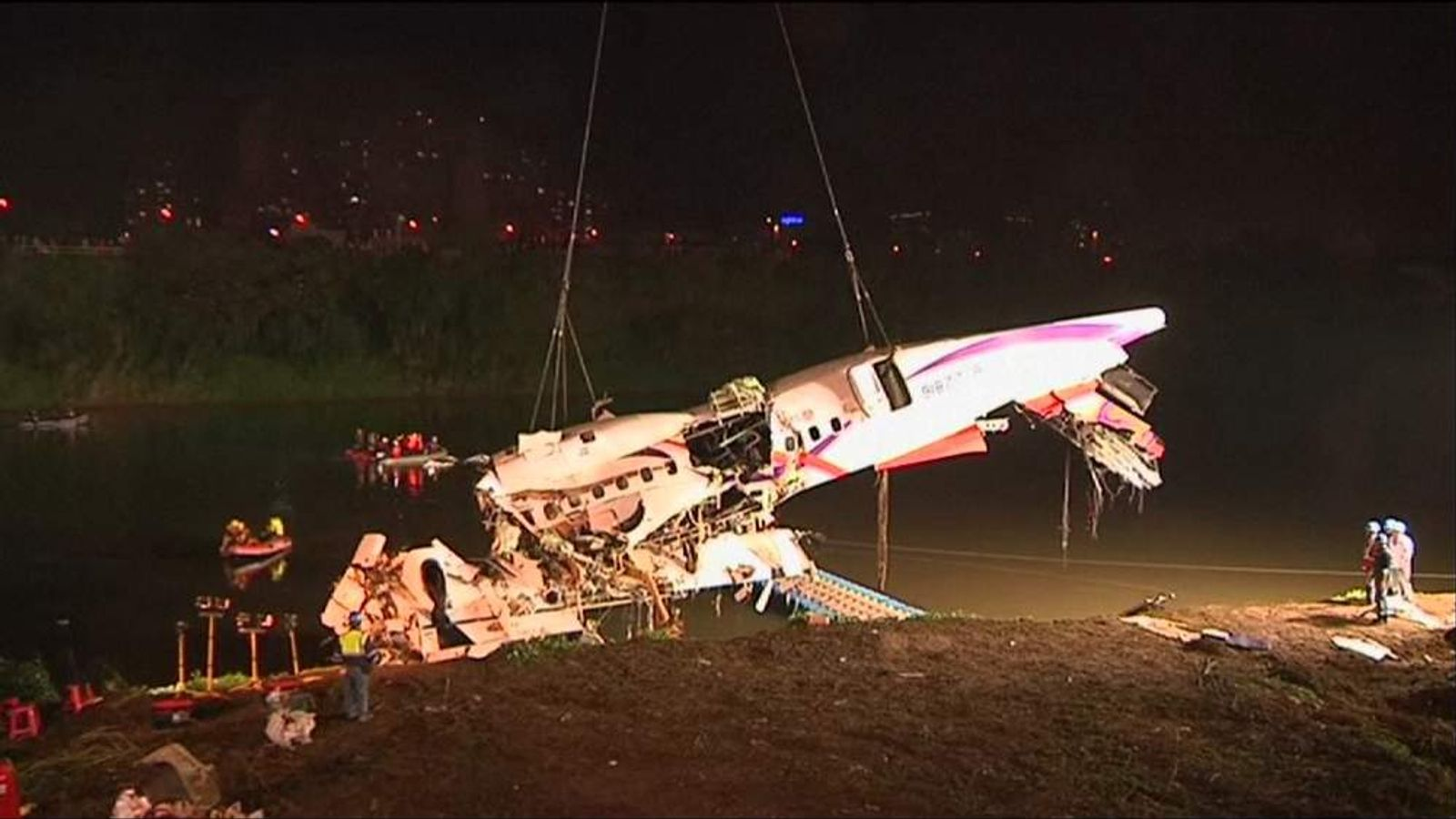 TransAsia plane crashes in a river near Taipei
