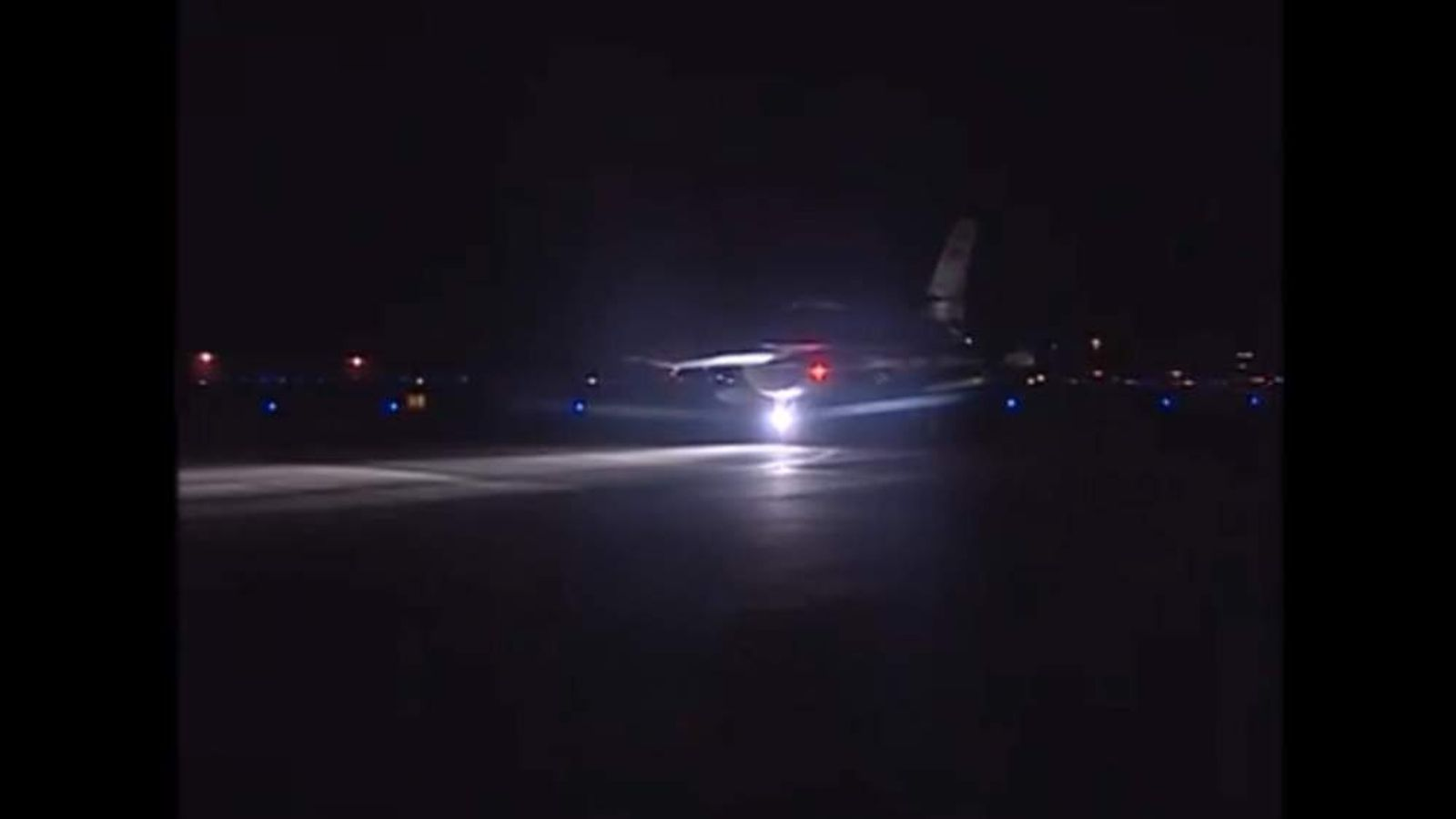Egypt planes prepare to attack IS targets