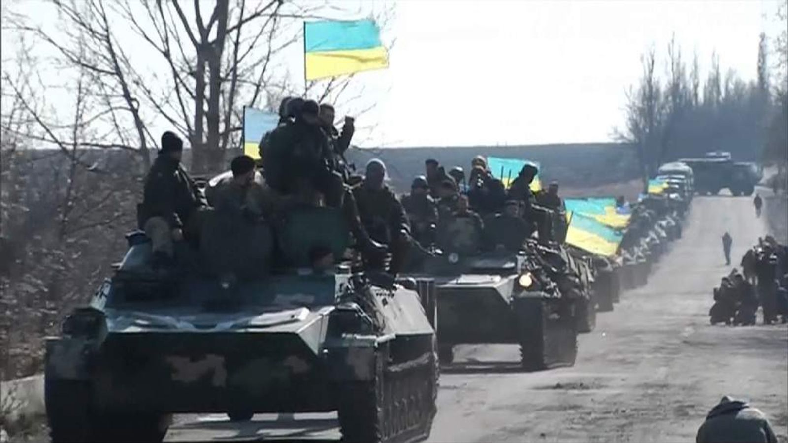 Ukrainian troops pull back from Artemivsk as part of ceasefire