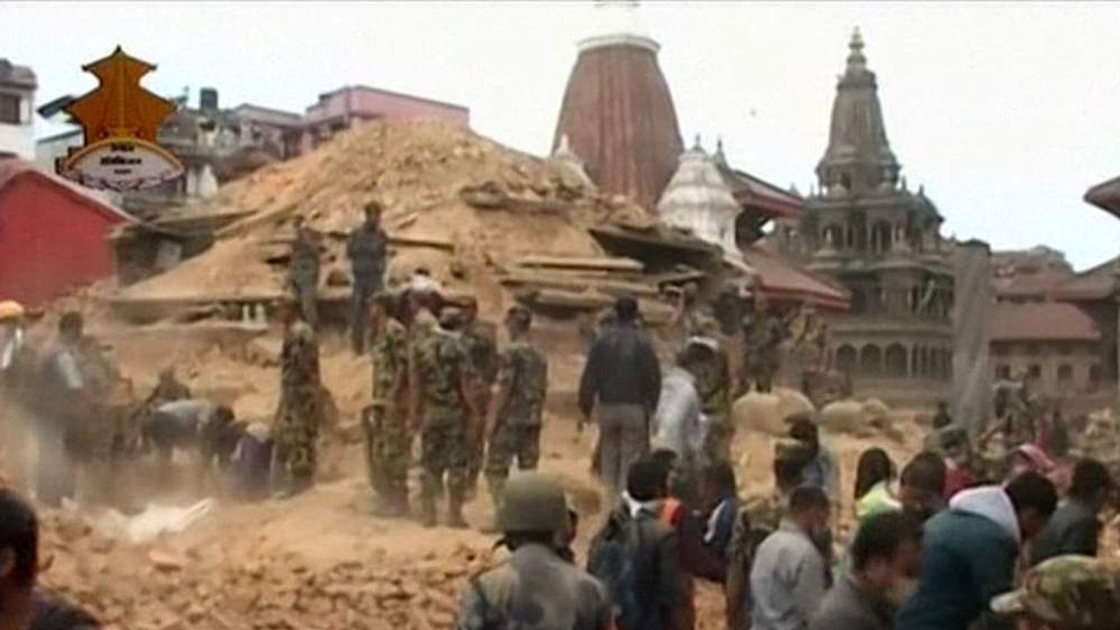 NEPAL EARTHQUAKE SEARCH CREWS DIGGING