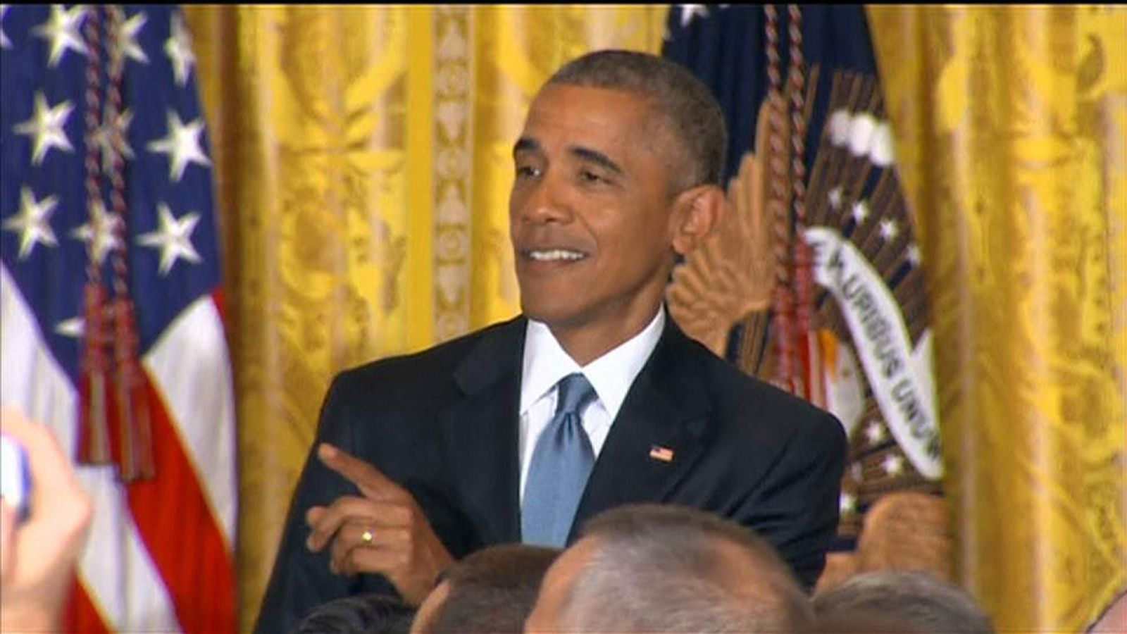 President Obama puts down White House heckler