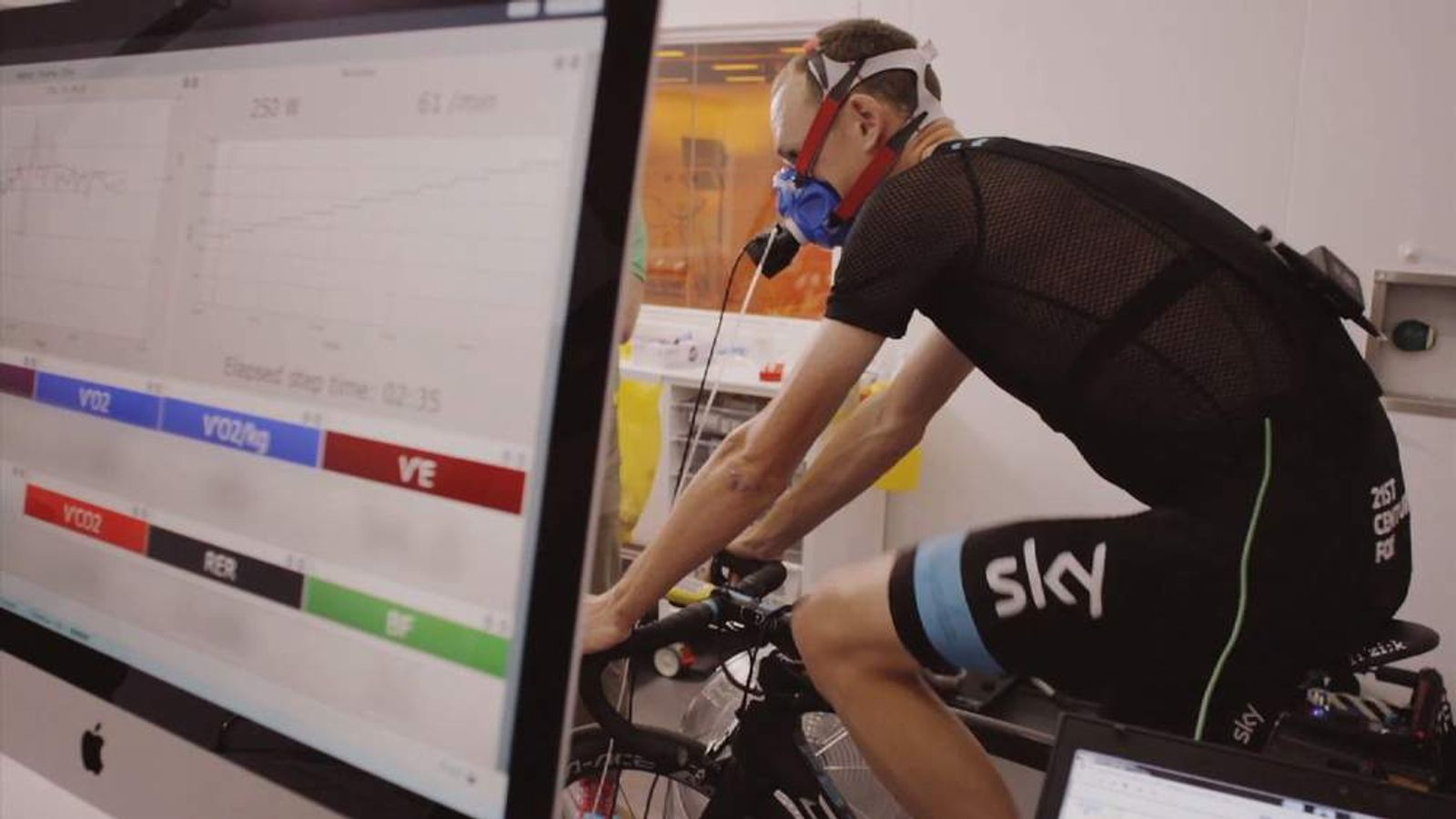 Chris Froome tests