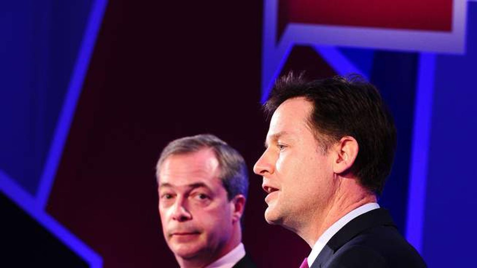 Nick Clegg (R) and Nigel Farage (L) in TV debate