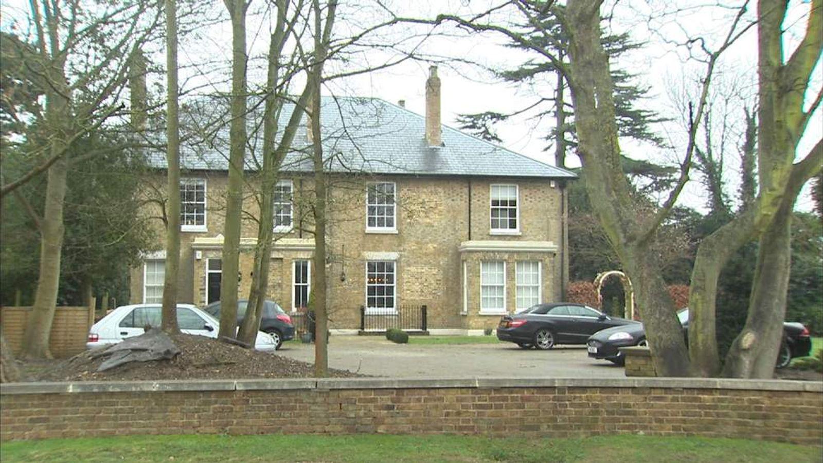 Croxley Green sinkhole property