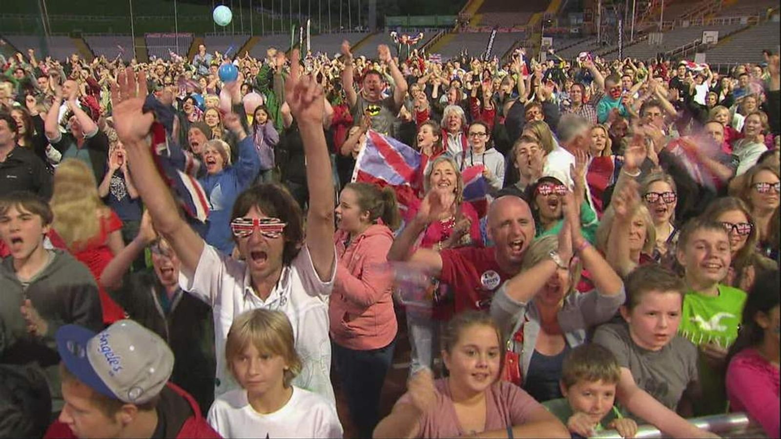 Olympic Crowd Ennis