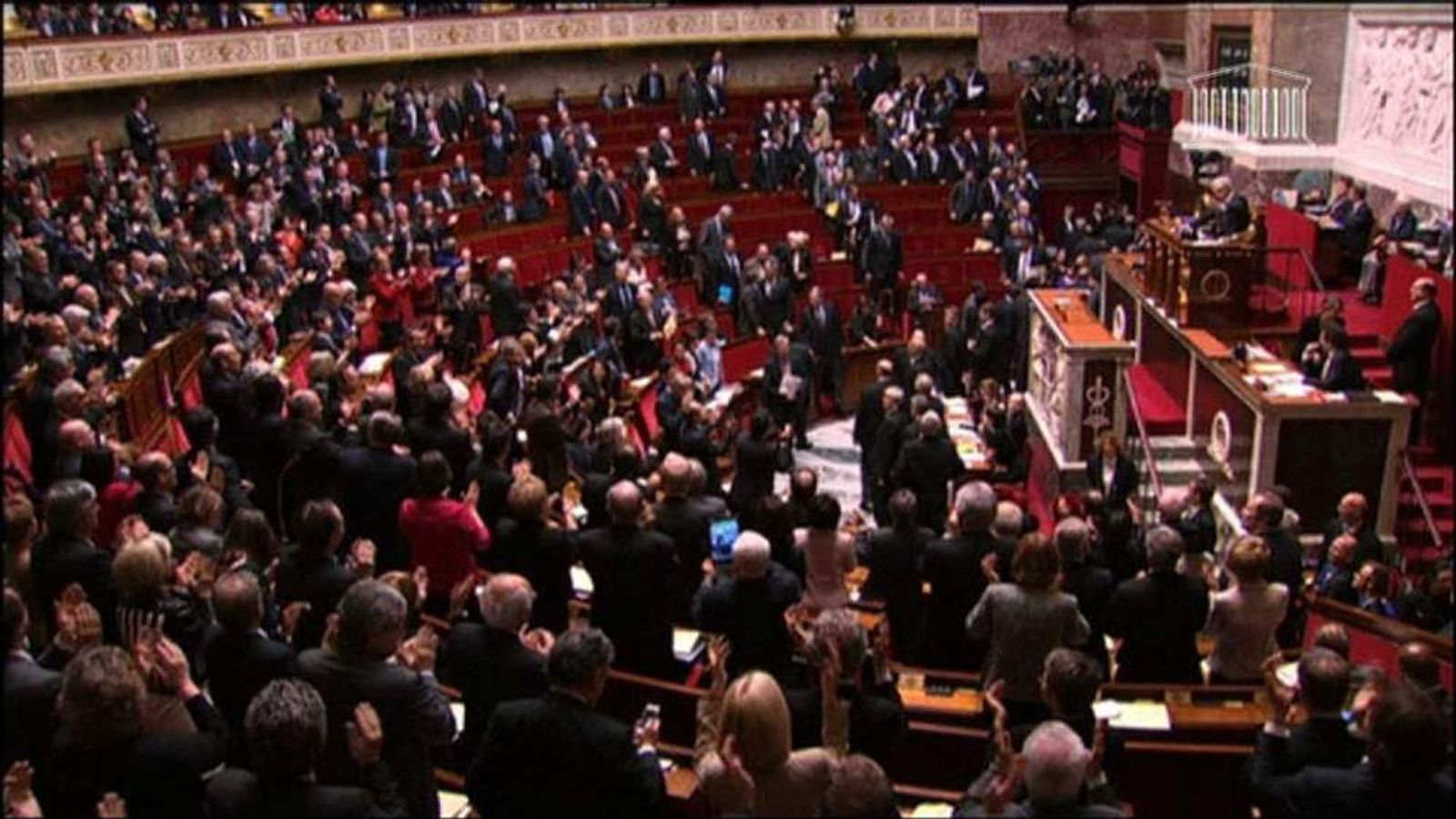 The French Parliament approves gay marriage law change