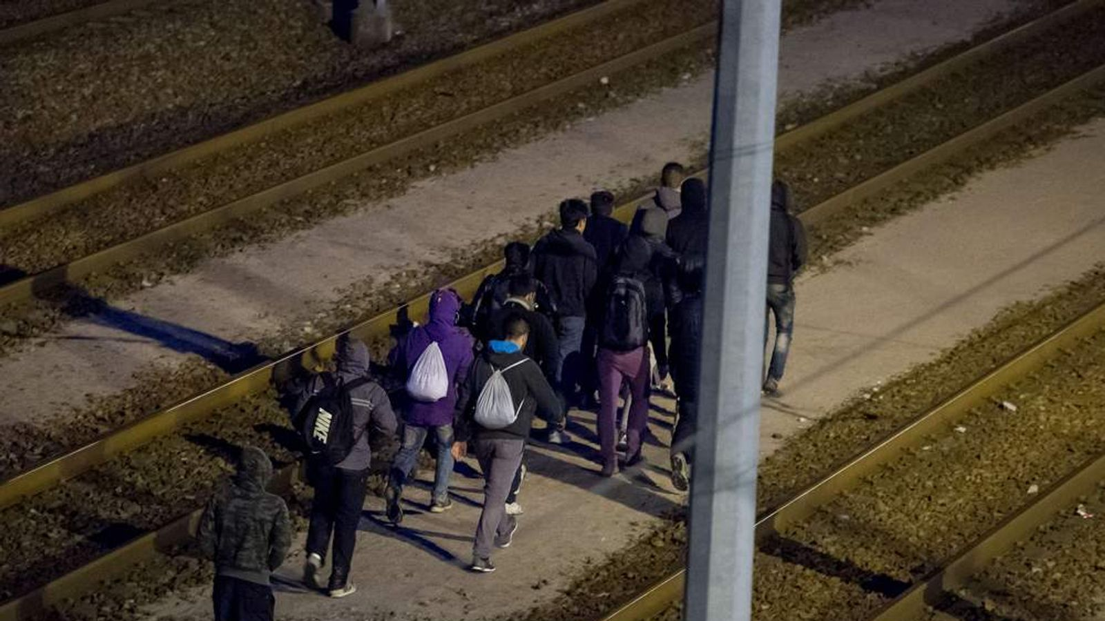 EUROPE-MIGRANTS-FRANCE-BRITAIN