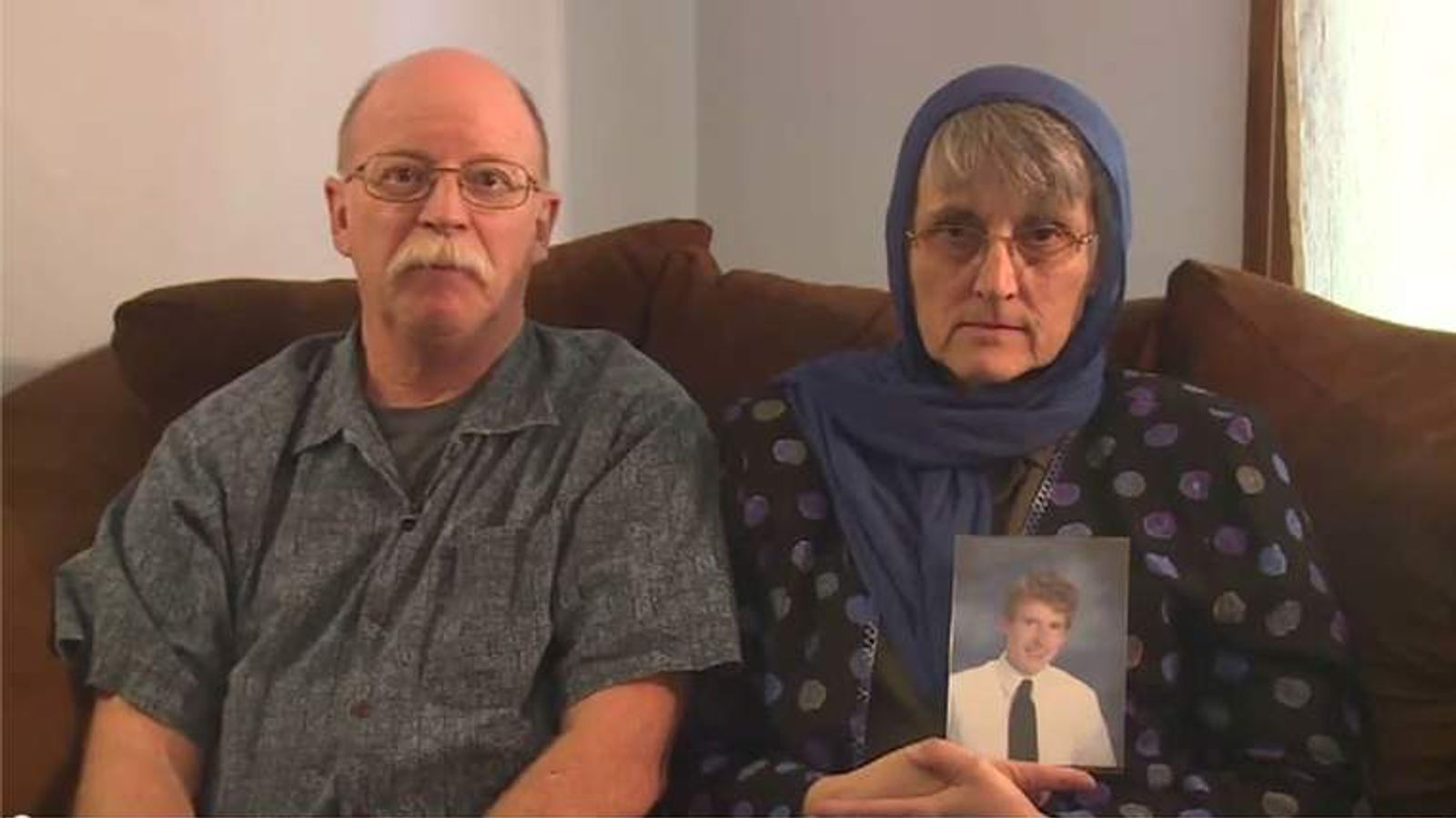 Ed and Paula Kassig plea for son's release in video
