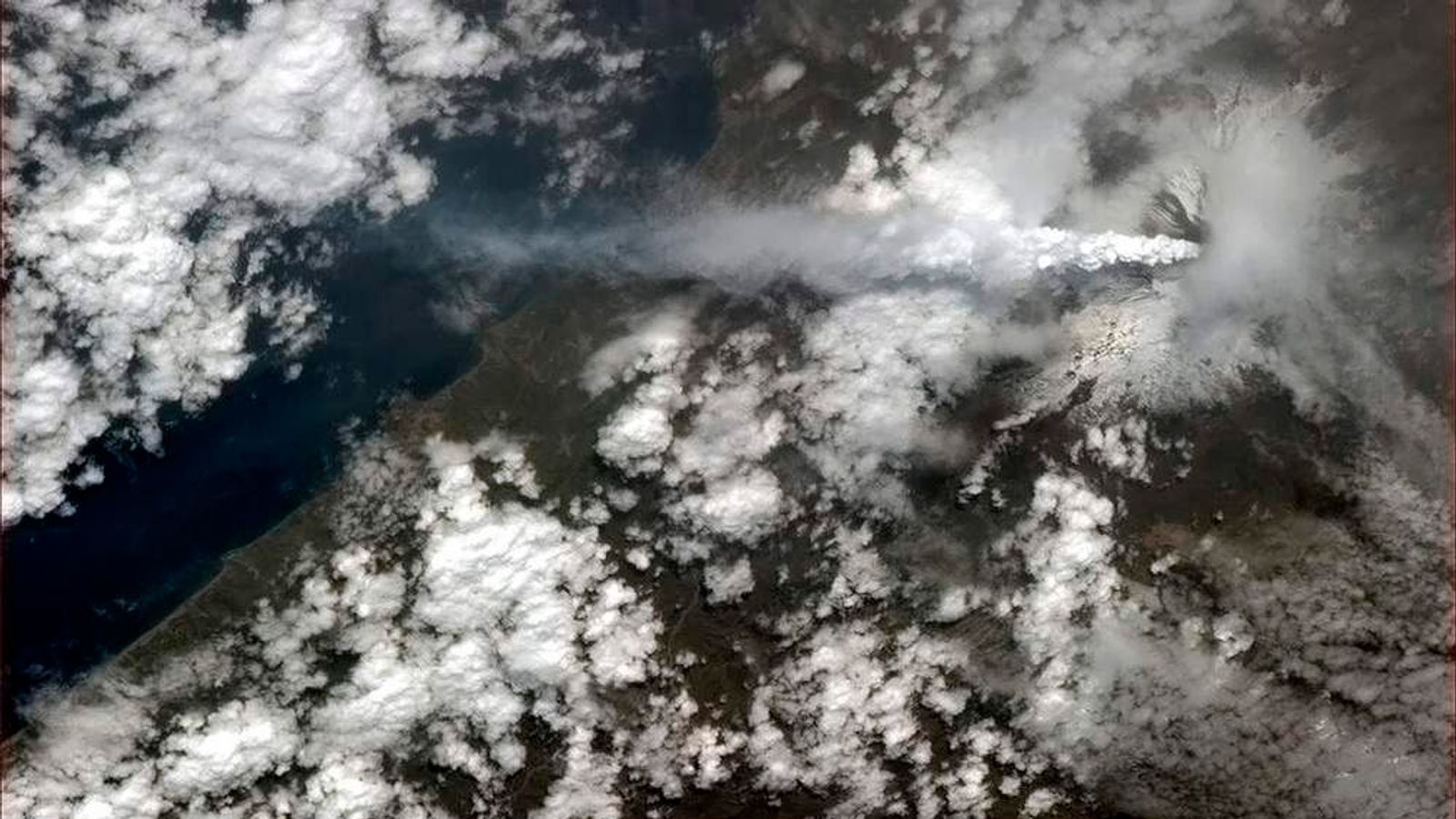 Astronauts captured Etna's eruption from the International Space Station