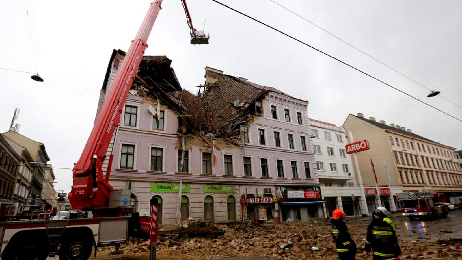 Vienna building collapse