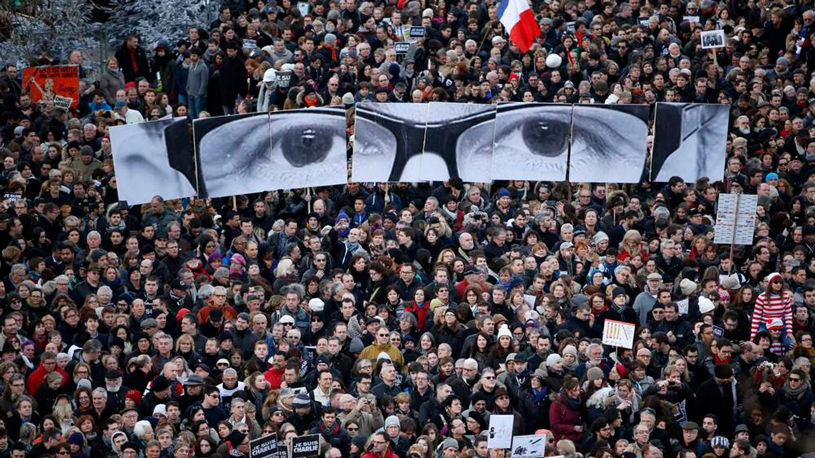 Hundreds of thousands of French citizens take part in a solidarity march (Marche Republicaine) in the streets of Paris
