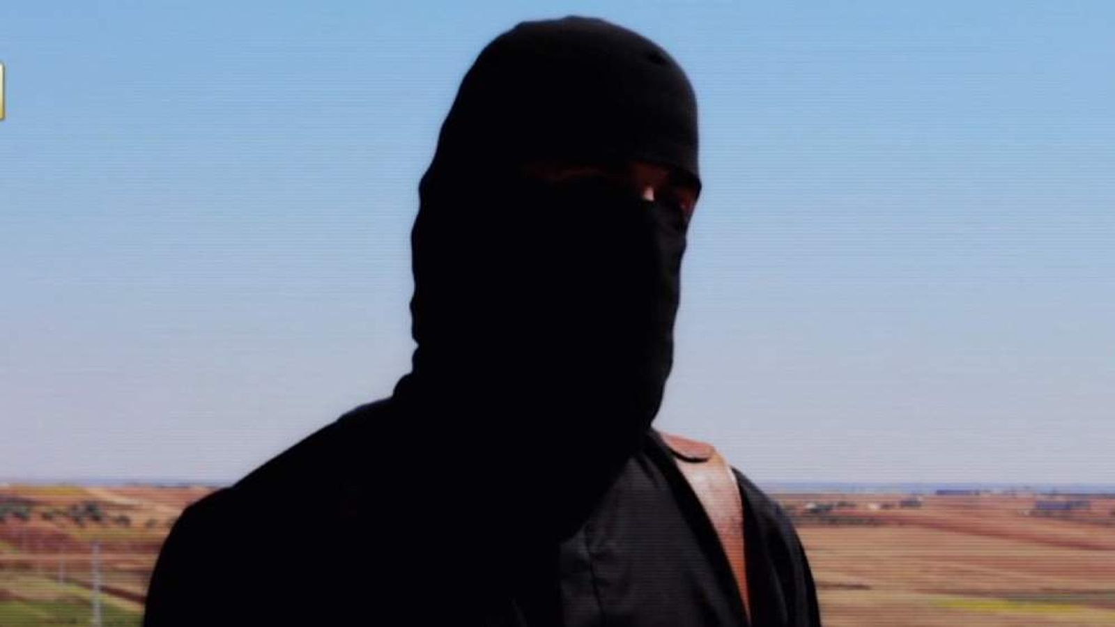 A militant seen in an Islamic State video claiming that US hostage Peter Kassig has been killed.