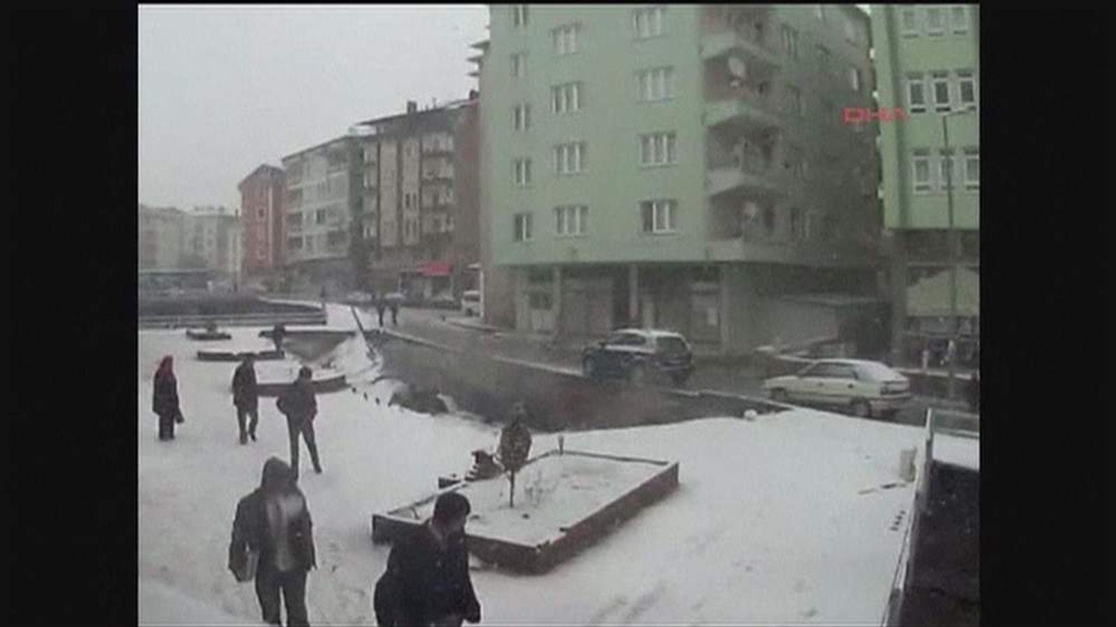 Pavement collapse in Turkey