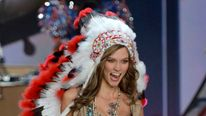 US Victoria's Secret Native American Headdress UNTREATED