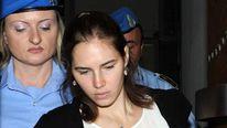Amanda Knox arriving in court