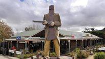 TO GO WITH STORY Australia-tourism-big-a