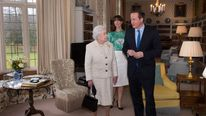 Queen visits Chequers
