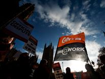 GMB trade union members demonstrating
