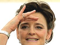 pg Cherie Blair looking on new delhi school