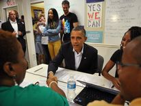 Obama with campaign workers in Florida