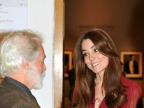 The Duchess of Cambridge meets artist Paul Emsley