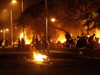 Police set fire to protesters' tents in Cairo