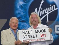 Richard Branson, Buzz Aldren