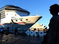AUSTRALIA-PACIFIC-CRUISE-SHIP