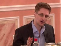 Edward Snowden has written a letter to the US government asking for leniency
