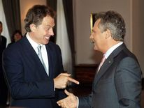 Tony Blair with Polish president Aleksander Kwasniewski