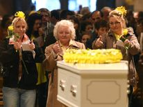 Cancer Fundraiser Stephen Sutton Vigil