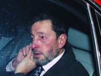 Former Home Secretary David Blunkett leaves the Home Office for the last time, after resigning from his cabinet post on December 15, 2004