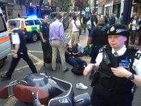 """attempted """"smash and grab"""" robbery at Selfridges, Oxford Street, London"""