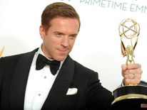 Damian Lewis with his Emmy