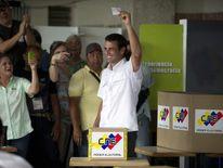 Henrique Capriles casts vote