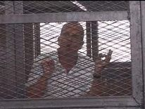 Al Jazeera journalist Peter Greste appears in court in Egypt