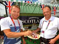 Sir Chris Hoy tries some Scottish raspberries