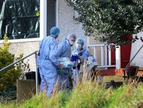 Sian Blake missing - forensics officers at house in Kent.