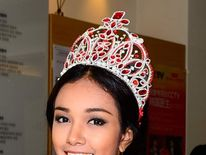 May Myat Noe with her crown. Pic: http://missasiapacificworldstar.com