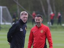 David Moyes (L) and Ryan Giggs