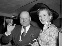 Mr John Davis marries Dinah Sheridan
