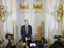 Peter Englund announces the Nobel Literature Prize